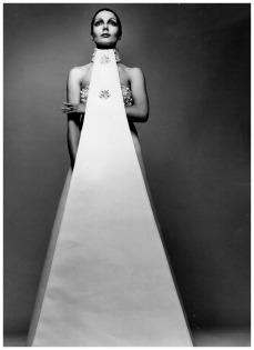 photo-richard-avedon-abito-sarli-1971