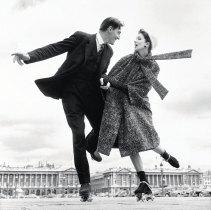 richard-avedon-suzy-parker-and-robin-tattersall-dress-by-dior-place-de-la-concorde-paris-august-1956