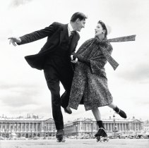 richard-avedon-suzy-parker-and-robin-tattersall-dress-by-dior-place-de-la-concorde-paris-august-1956