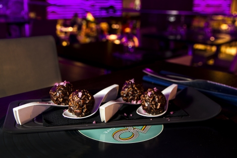 Bombón de Chocolate relleno de foie y dátiles